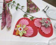 Blumen und Herzen für unsere Mütter