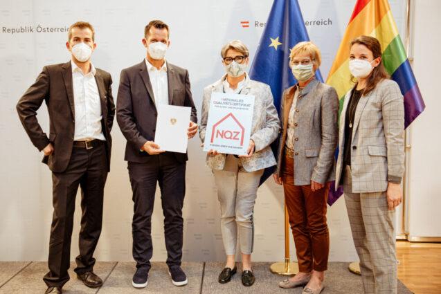 Sozialminister Mückstein verleiht Nationales Qualitätszertifikat für Alten- und Pflegeheime an das Pflegezentrum Yspertal